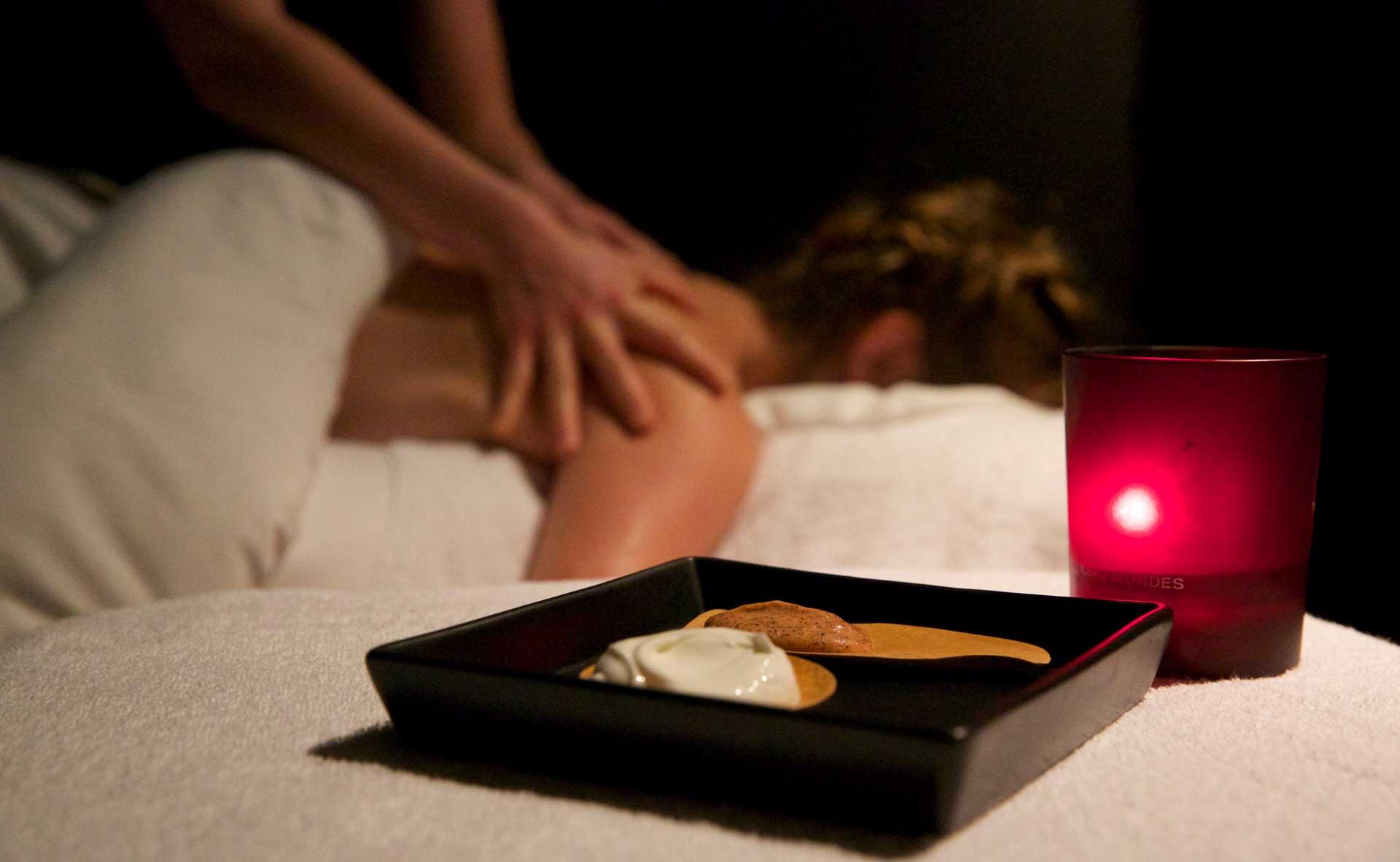 Découvrez nos massages, gommages et soins du visages dans nos cabines cocooning